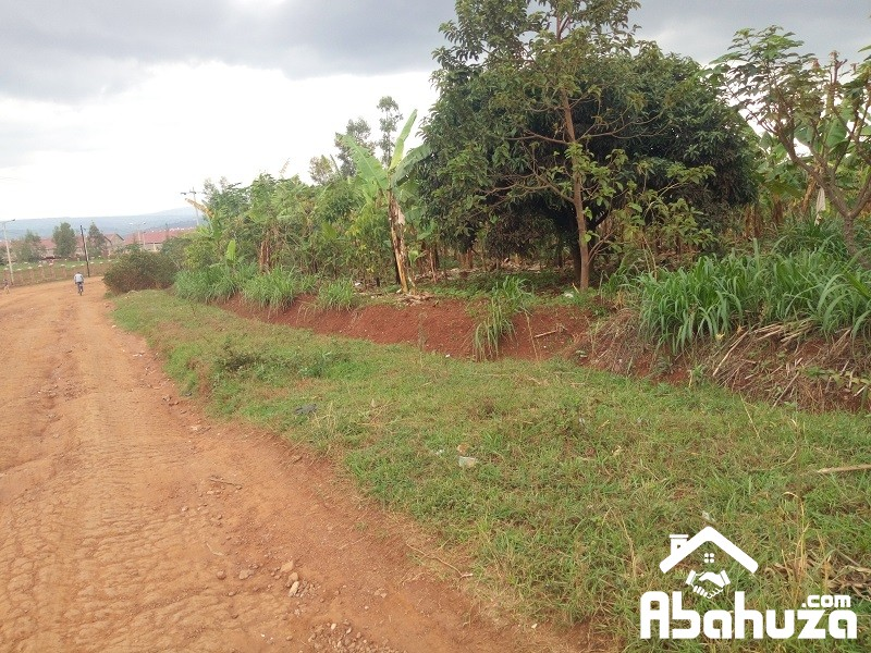 A BIG PLOT FOR SALE IN INDUSTRIAL ZONE AT GAHANGA