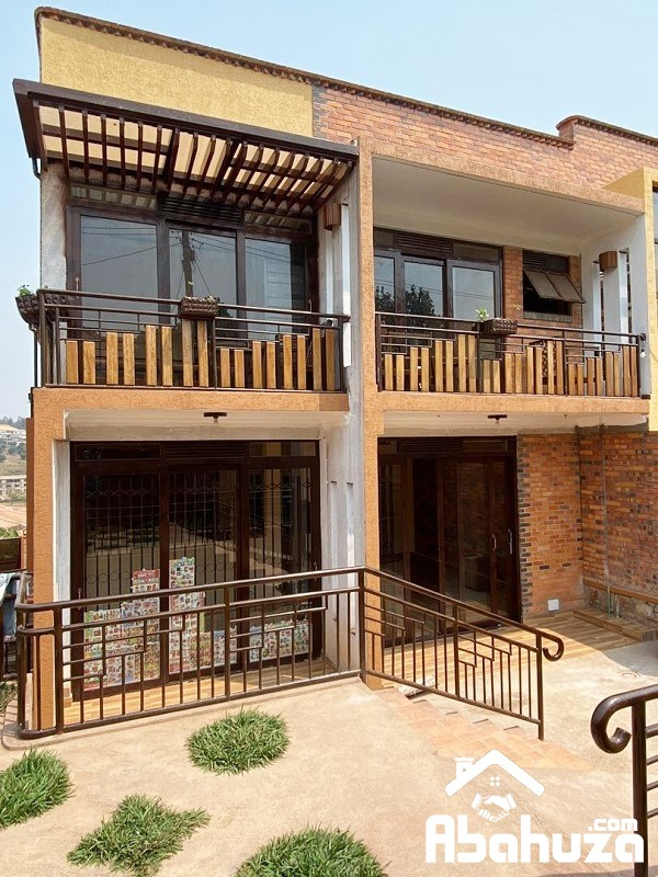 A NEW 3 BEDROOM HOUSE FOR RENT AT REMERA