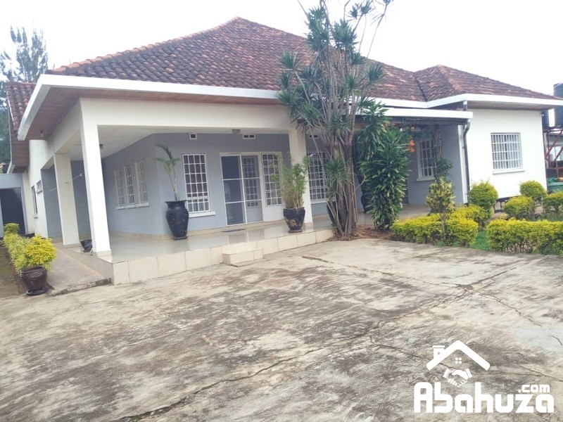 A FURNISHED 3 BEDROOM HOUSE FOR RENT IN KIGALI AT KIMIHURURA