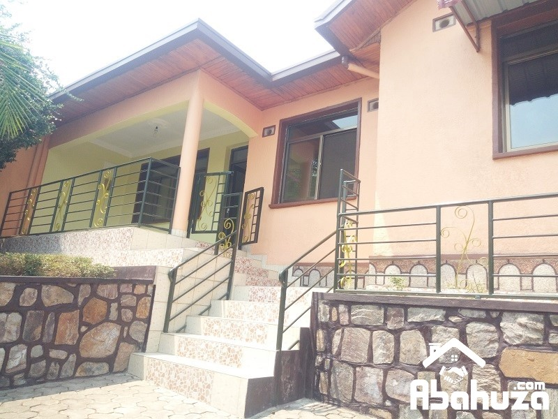 A 3 BEDROOM HOUSE FOR RENT AT GACURIRO