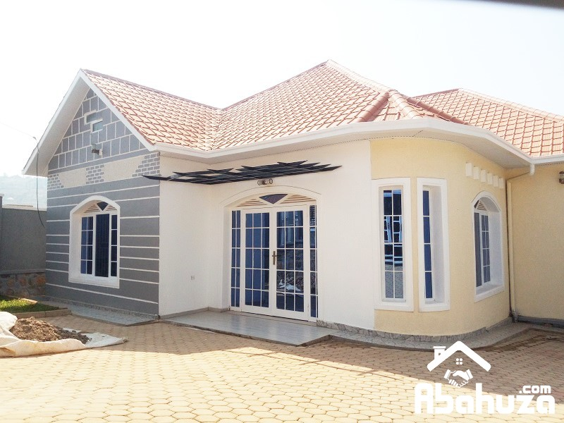 BRAND NEW HOUSE FOR SALE IN KIGALI AT KIMIRONKO ON TARMAC ROAD