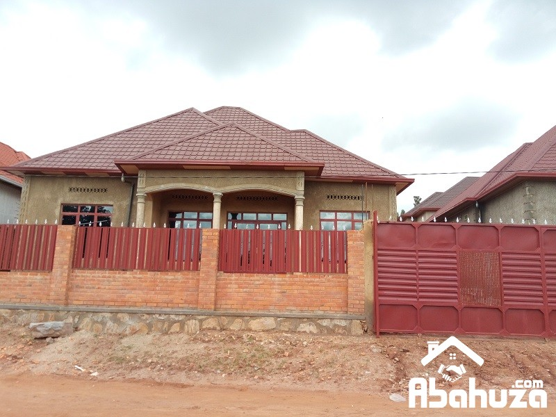 A NEW HOUSE OF 4 BEDROOM FOR SALE AT MASAKA