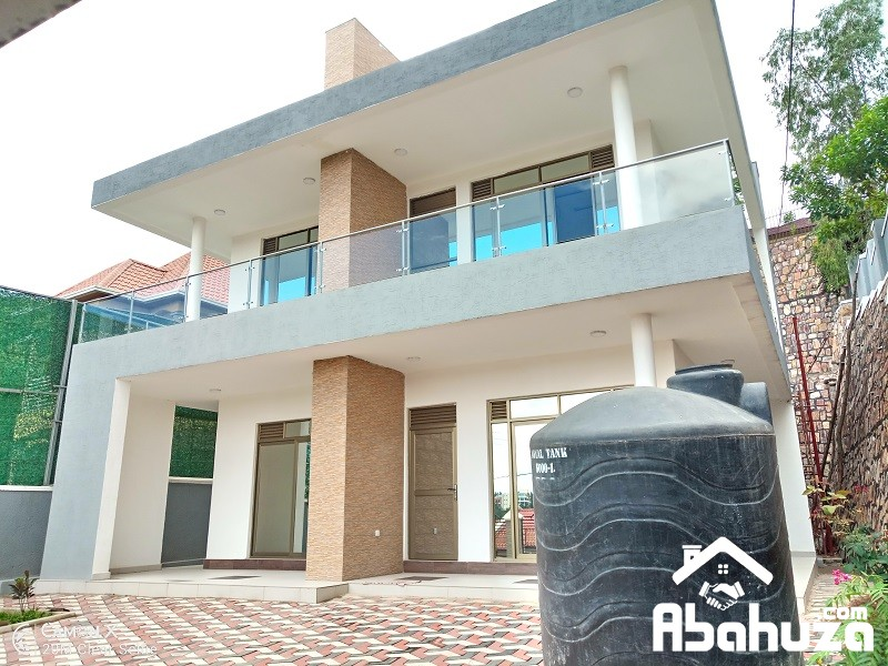 A MODERN 5 BEDROOM HOUSE FOR SALE IN KIGALI AT NYARUTARAMA