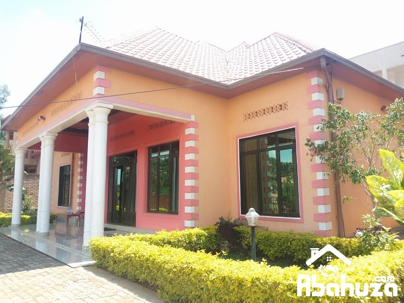 A FURNISHED 5 BEDROOM HOUSE FOR RENT AT KICUKIRO
