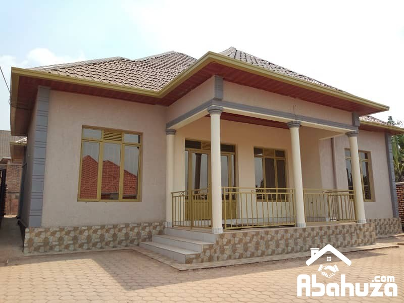 MODERN HOUSE OF 4 BEDROOM FOR SALE AT KANOMBE