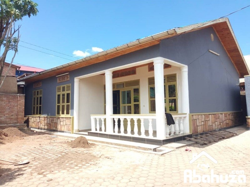A HOUSE FOR RENT IN KIGALI ON TARMAC ROAD AT KACYIRU