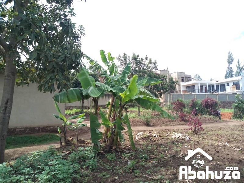 A WELL LOCATED PLOT IN KIGALI NEAR TAXI PARK OF KINYINYA