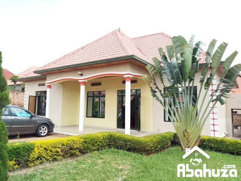 A NICE HOUSE FOR SALE IN PLOT OF 582 SQM AT KANOMBE