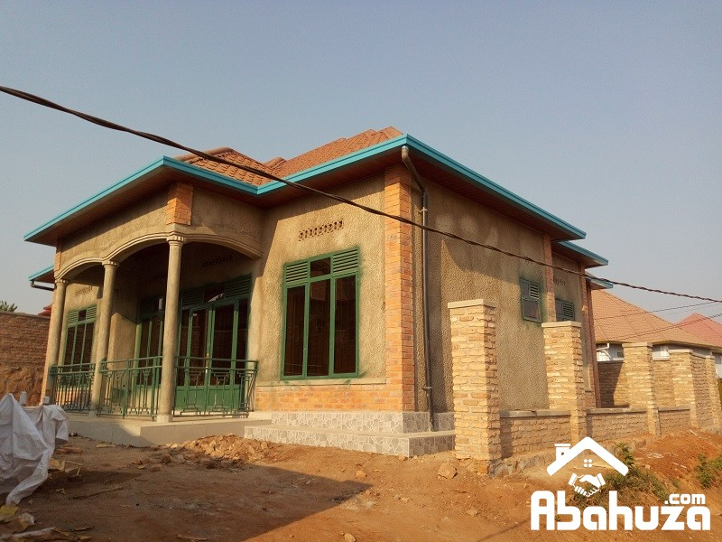 ALMOST FINISHED HOUSE CLOSE TO ASPHALT ROAD