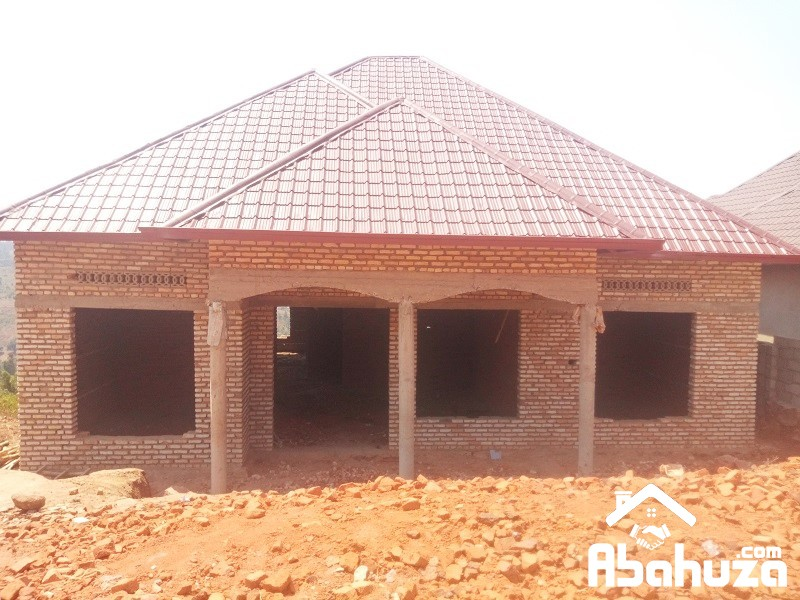 UNFINISHED HOUSE FOR SALE IN KAREMBURE SITE