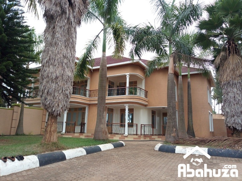 TWIN HOUSE FOR SALE AT GACURIRO