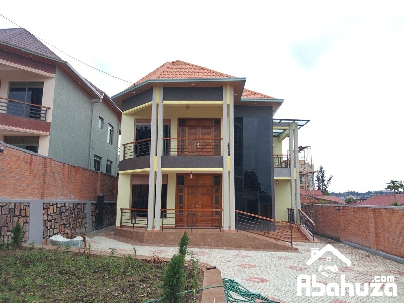 A 6 BEDROOM HOUSE INKIGALI IN  HIGH CLASS NEIGHBORHOOD