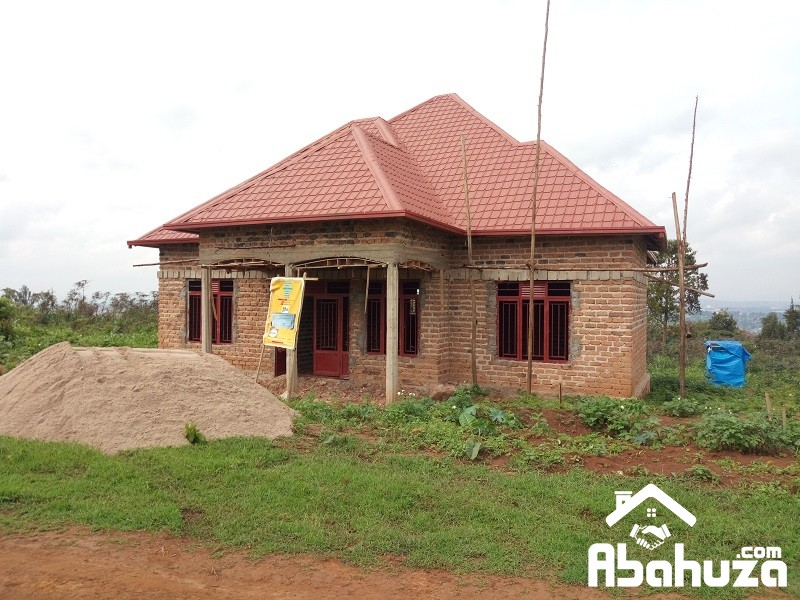 A 4 BEDROOM HOUSE FOR SALE ON GOOD PRICE IN KIGALI AT GASOGI