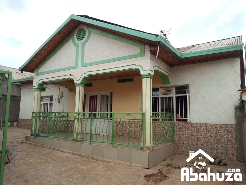 A 3 BEDROOM HOUSE FOR SALE IN KIGALI-KANOMBE KU GASARABA