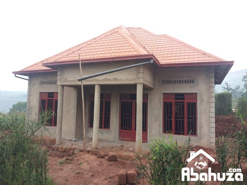 A 4 BEDROOM HOUSE FOR SALE IN BIG PLOT IN KIGALI AT GASOGI