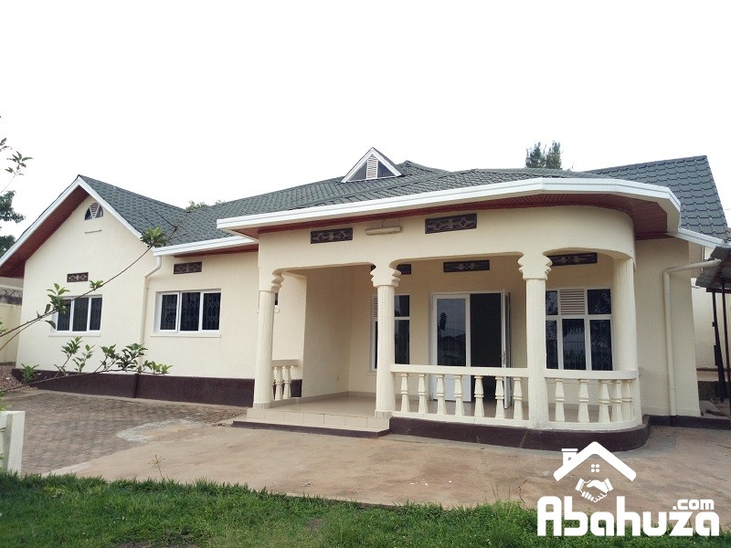 A RESIDENTIAL HOUSE FOR SALE IN KIGALI AT REMERA