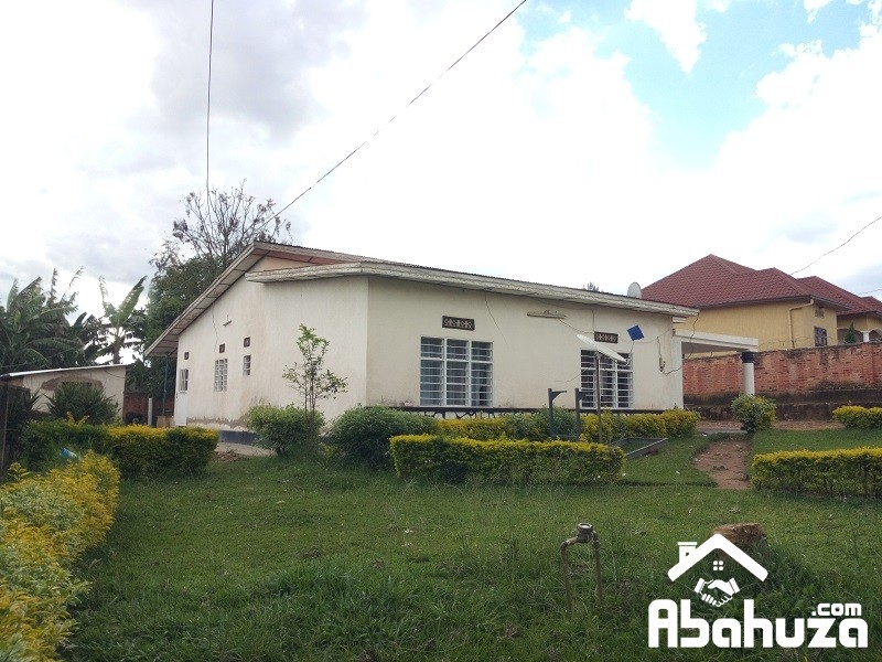 A BIG HOUSE TO RENOVATE FOR SALE IN KIGALI AT KABEZA