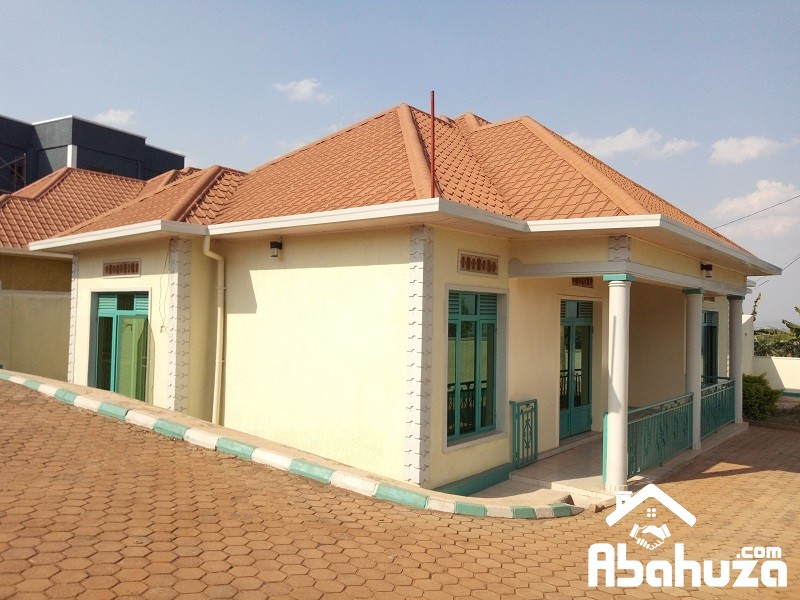 A WELL LOCATED HOUSE ON GOOD PRICE FOR SALE IN KIGALI AT KAGARAMA