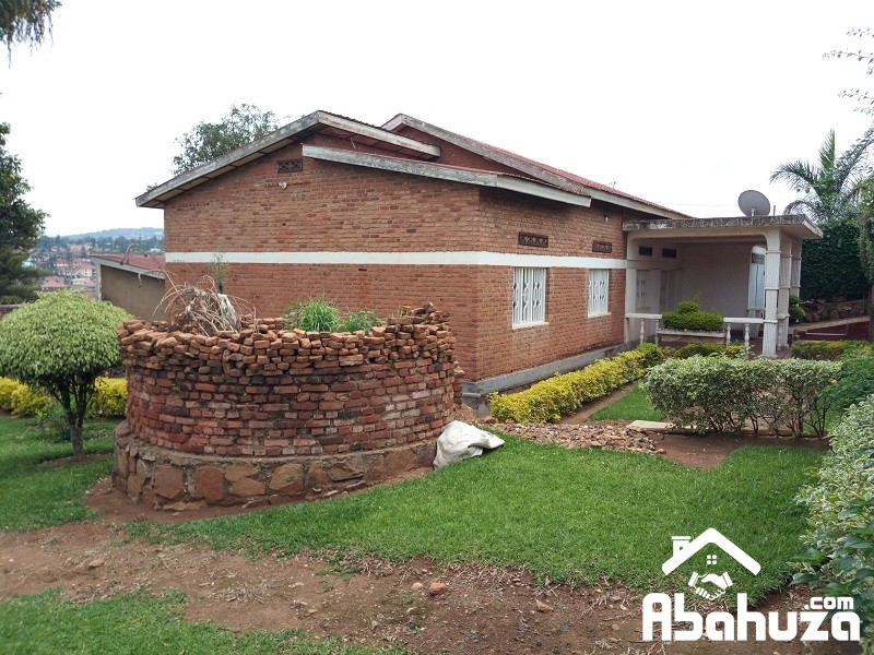 A 4 BEDROOM HOUSE FOR SALE IN KIGALI AT REMERA