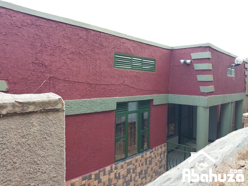 TWO HOUSES FOR SALE IN ONE COMPOUND AT KIGALI-KINYINYA