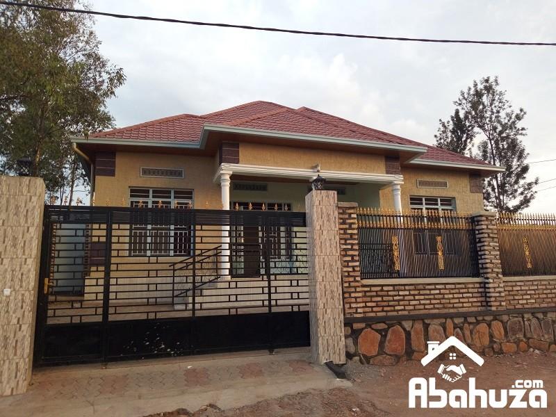 A MODERN HOUSE FOR SALE IN KIGALI-KABEZA ON ASPHALT ROAD