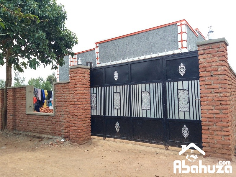 A 3 BEDROOM HOUSE FOR SALE IN KIGALI AT KANOMBE-BUSANZA