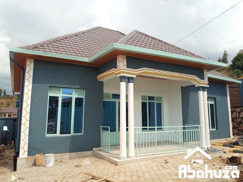 A LOW PRICE HOUSE FOR SALE IN KIGAL AT KANOMBE-BUSANZA