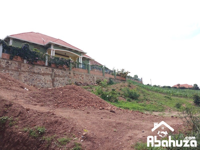 A PLOT WITH NICE VIEW FOR SALE IN KIGALI AT ZINDIRO