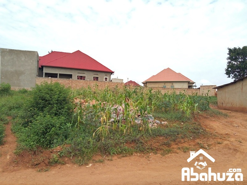 A NICE PLOT WITH CONSTRUCTION PERMIT FOR SALE IN KIGALI AT MASAKA