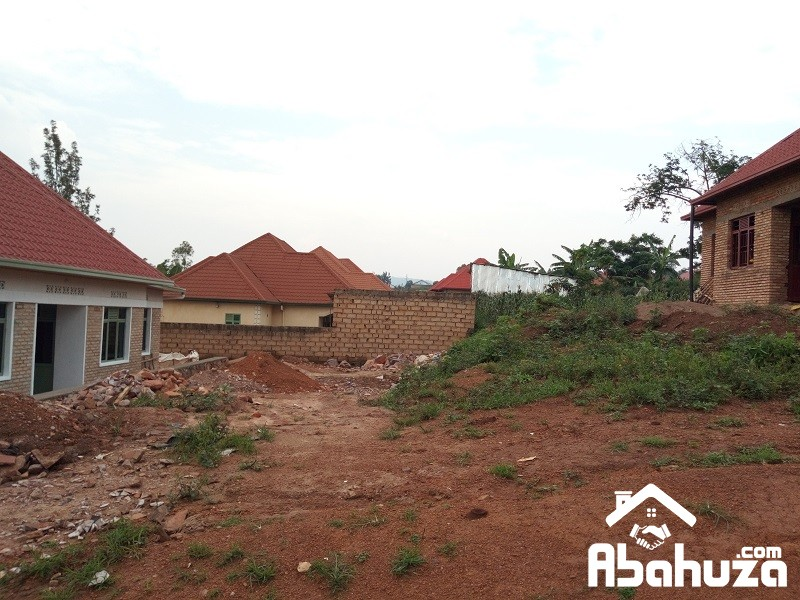 A PLOT FOR SALE WITH CONSTRUCTION PERMIT IN KIGALI-GASOGI