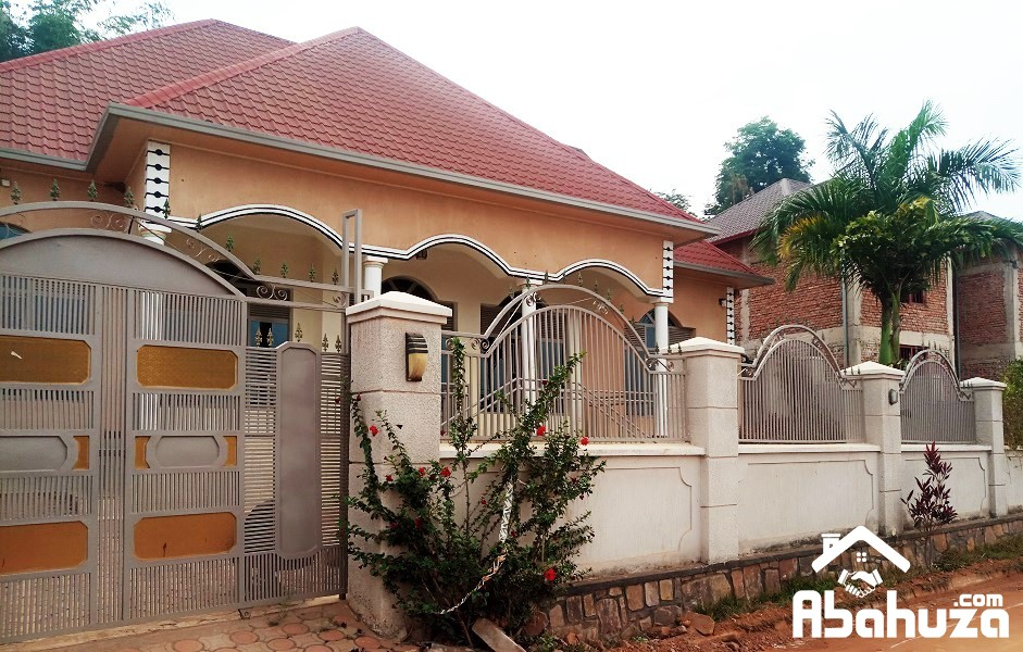 A 5 BEDROOM HOUSE FOR RENT AT ZINDIRO