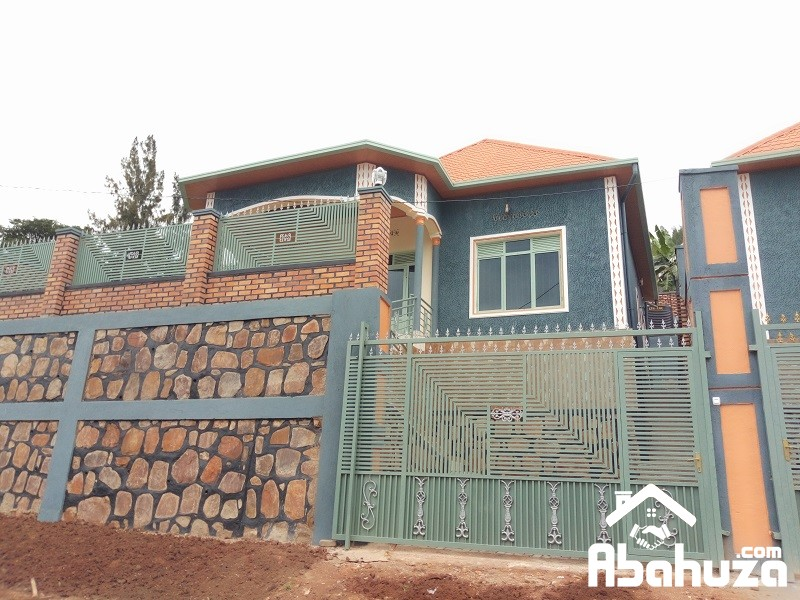 A NEW HOUSE OF 3 BEDROOMS TO SELL AT ZINDIRO