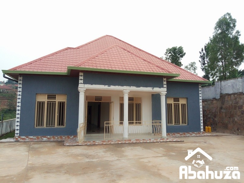 A NEW HOUSE OF 4 BEDROOMS FOR SALE IN GOOD AREA AT KABEZA