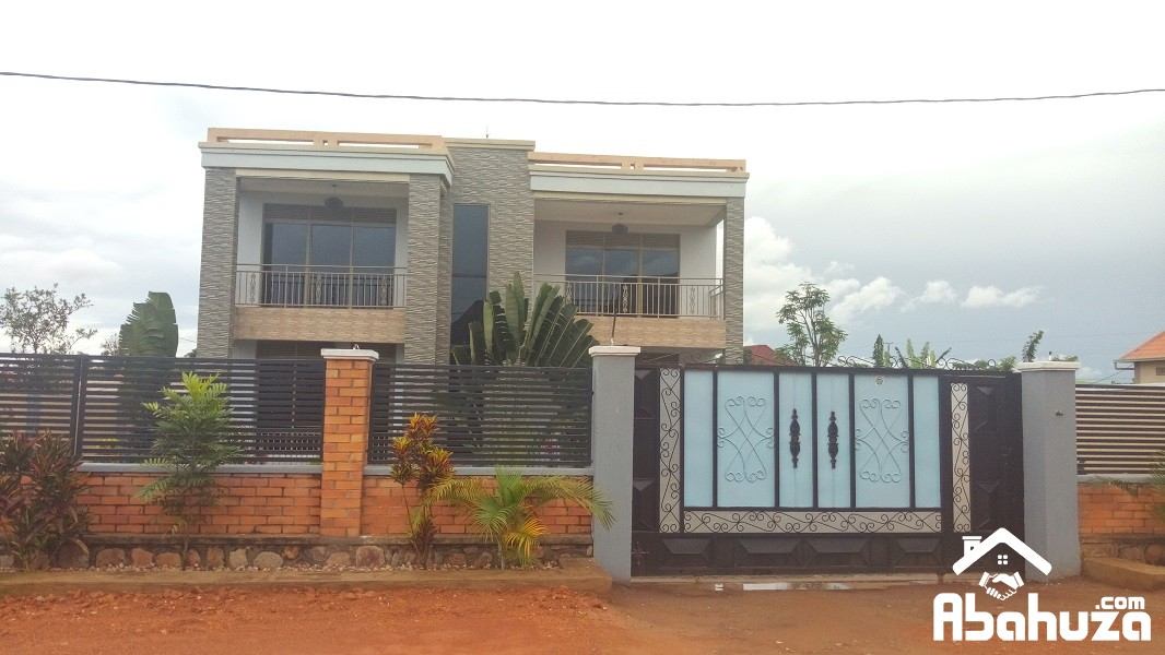 A NEW 4 BEDROOM HOUSE FOR SALE AT KICUKIRO