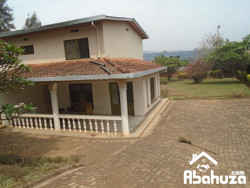 A FURNISHED 3 BEDROOM HOUSE WITH SPACIOUS GARDEN AT KIMIHURURA