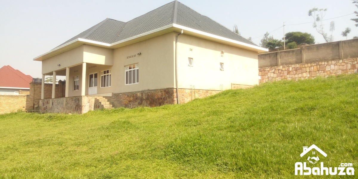 A 4 BEDROOM HOUSE WITH GARDEN FOR RENT AT KINYINYA