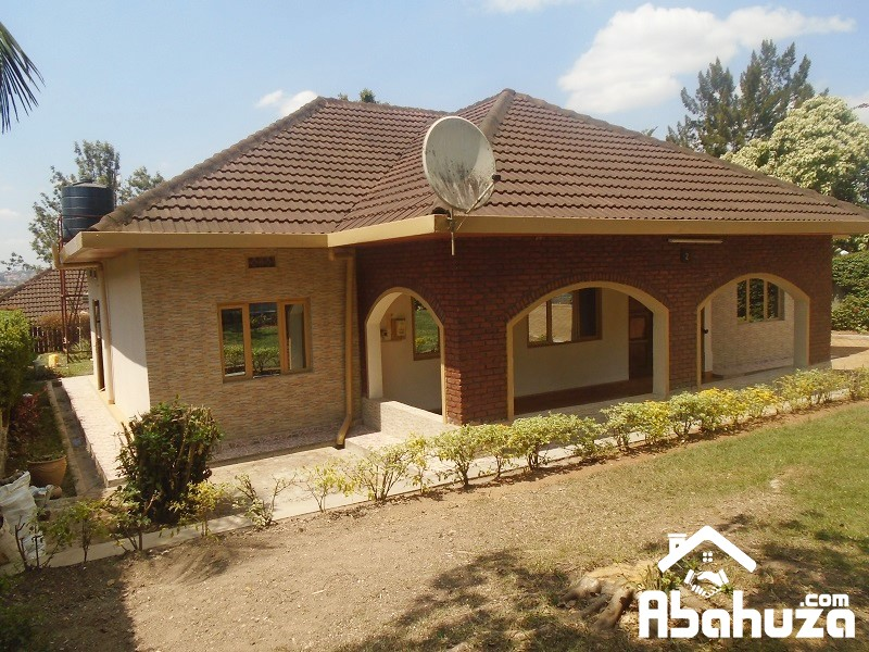 A FURNISHED 4 BEDROOM HOUSE FOR RENT AT NYARUTARAMA