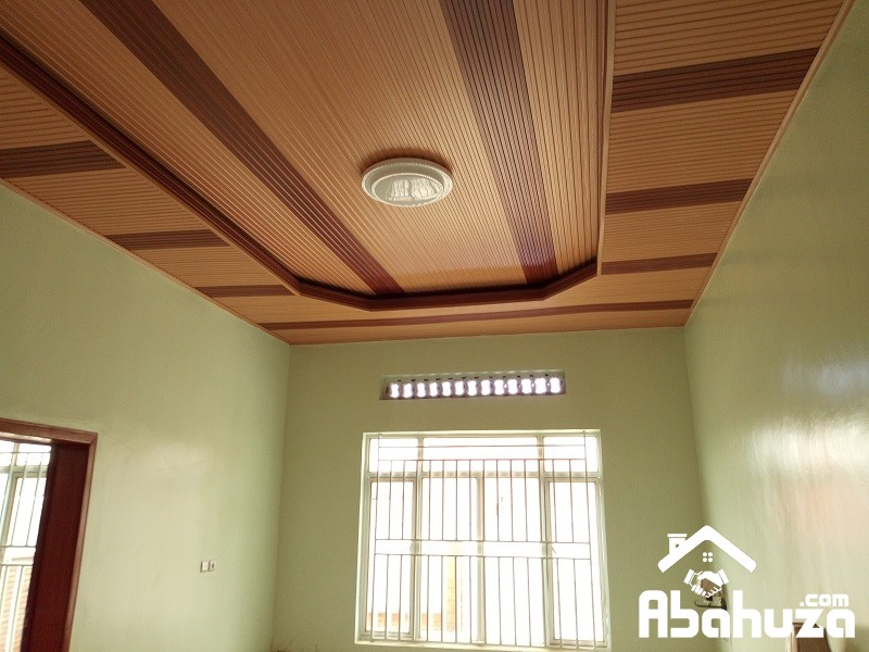 A GOOD SIZE HOUSE IN PLOT OF 750 SQM AT KICUKIRO