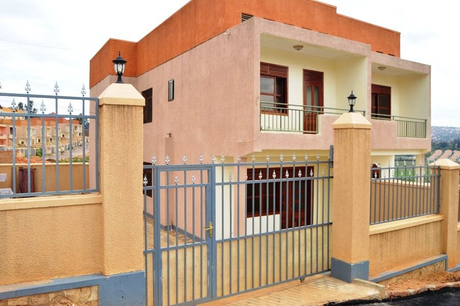 A THREE BEDROOM HOUSE FOR SALE AT KABEZA
