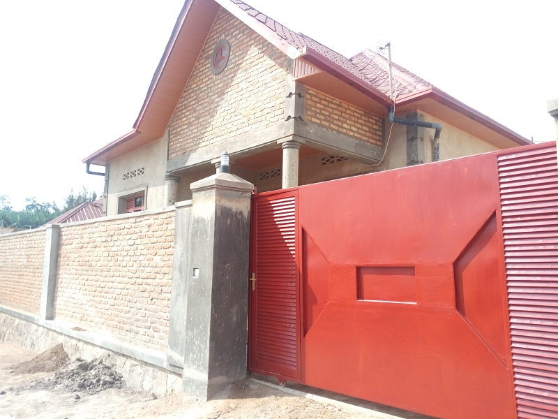A 2 HOUSES FOR SALE IN ONE COMPOUND AT KINYINYA