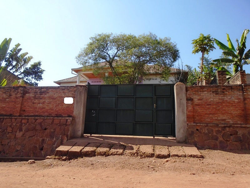 A 4 BEDROOM HOUSE FOR SALE AT NYAMIRAMBO