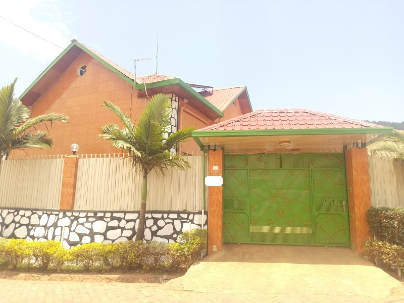 2 HOUSES FOR SALE IN ONE COMPOUND AT NYAMIRAMBO