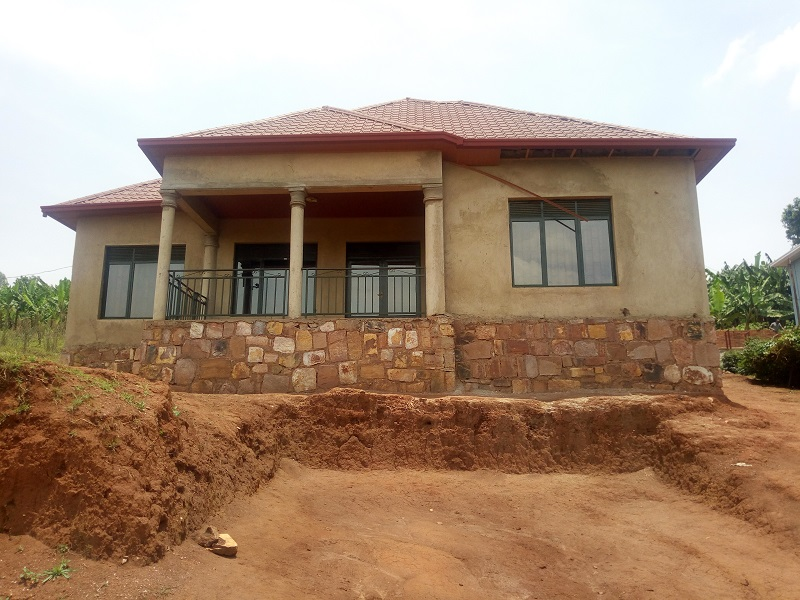 A HOUSE FOR SALE AT NYANZA IN NYARURAMA