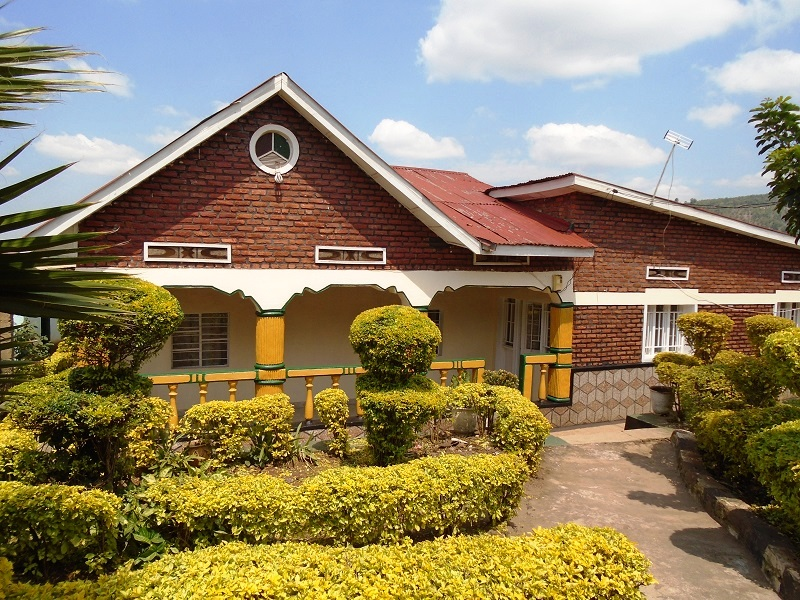 A 6 BEDROOM HOUSE FOR SALE AT KICUKIRO OPPOSITE KAGARAMA