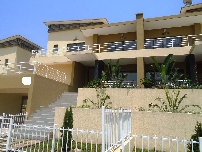 A DECENT 3 BEDROOM HOUSE FOR RENT IN LUXURY ESTATE AT  GACURIRO