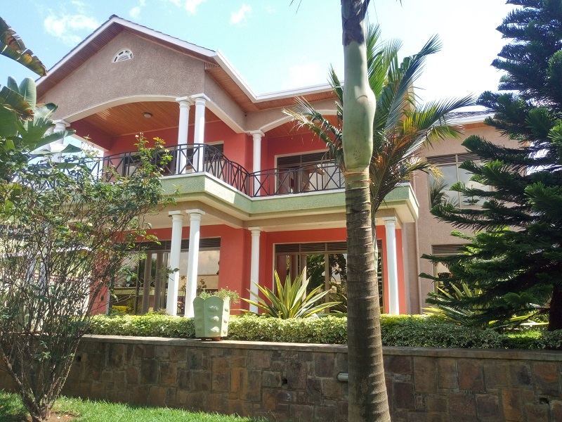 A FURNISHED 5 BEDROOM HOUSE FOR RENT AT GACURIRO