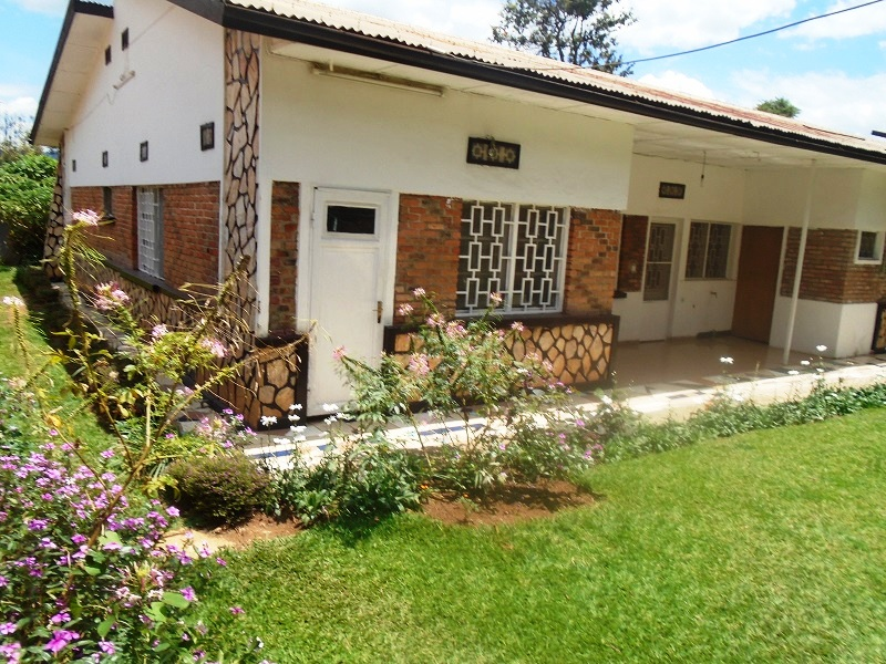 A 5 BEDROOM HOUSE FOR RENT AT KIMIHURURA