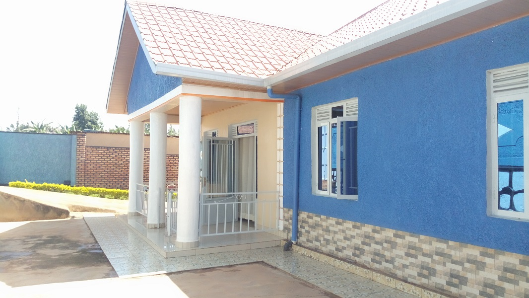 A 4 BEDROOM HOUSE FOR SALE AT MASAKA NEAR KABUGA BUS STATION