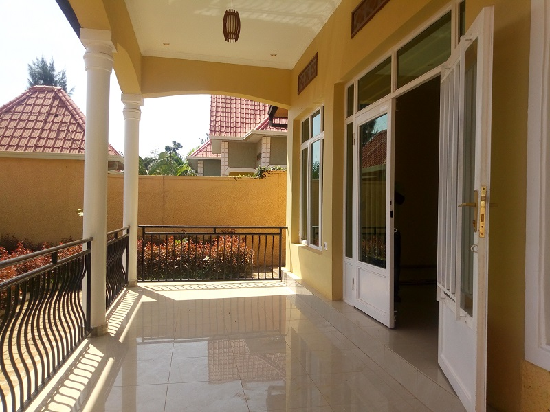 A 4BEDROOMS HOUSE FOR SALE AT GACURIRO