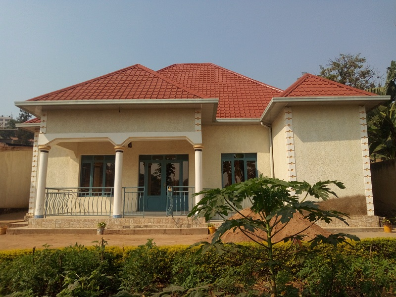 A 5 BEDROOM HOUSE FOR SALE WITH 3 BEDROOM ANNEX